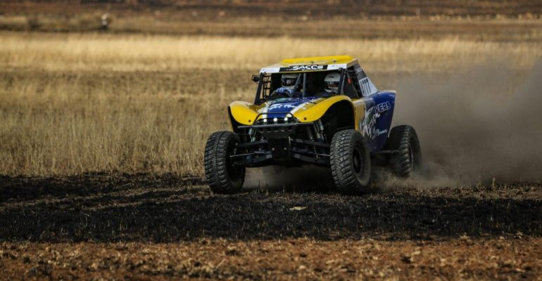 Bad luck for Trethewey/Roets and new special vehicle winners at dry and dusty Bronkhorstspruit 400
