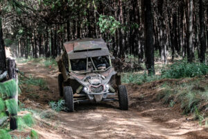 Trethewey & Roets lead special vehicle championship will various teams still on the hunt for first points